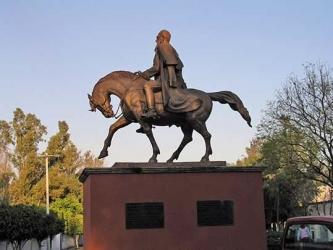Statue of General Mariano Escobedo, Queretaro