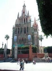 San Miguel Arcángel, Allende