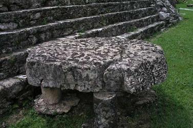 Piedra de Sacrificio - Sacrifice Stone