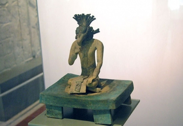 Hombre Pajáro - Bird Man Figurine