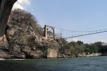 Puente Suspendido -Suspension Bridge