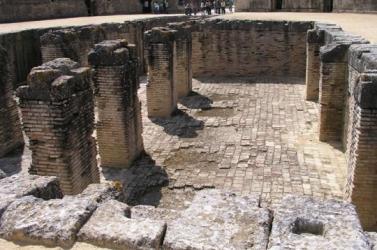 Italica's amphitheatre pit